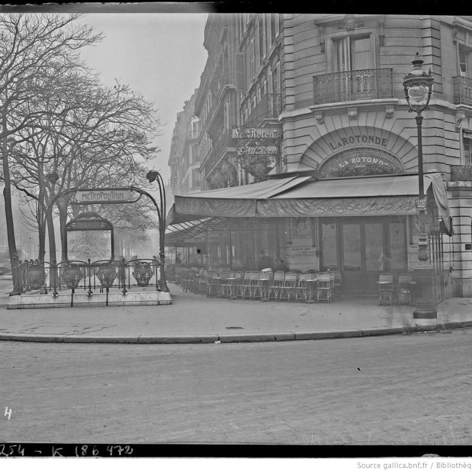 Café de la Rotonde, 1924 (gallica.bnf.fr / Bibliothèque nationale de France)